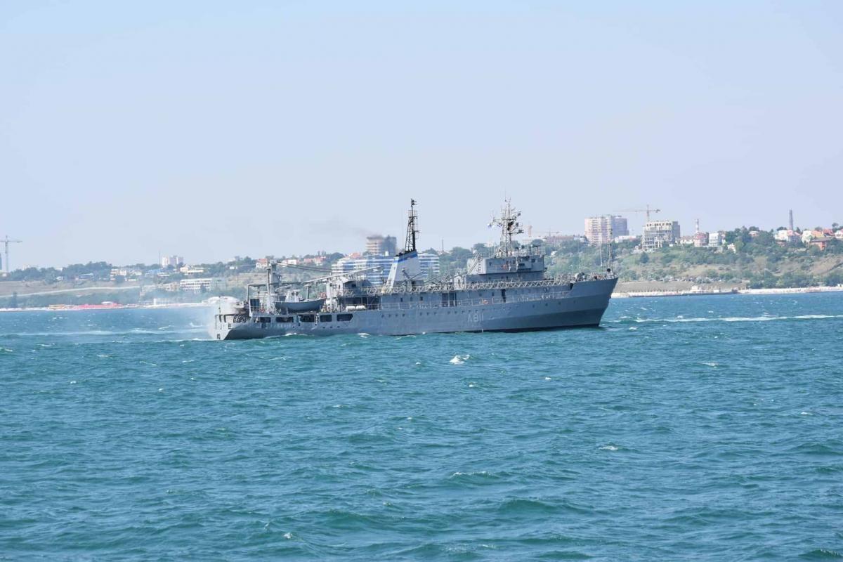 У Чорному морі врятували корабель українських ВМС / фото ВМС України