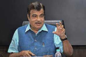 Banks not funding infra projects, RBI adding to complications: Nitin Gadkari