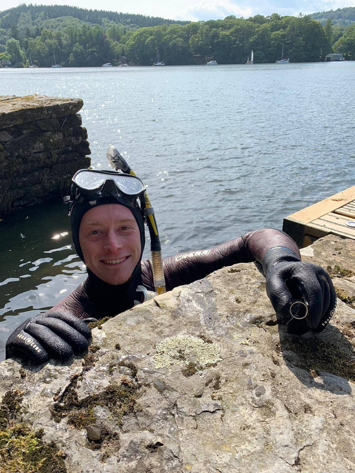 Diver Finds Precious Wedding Ring Lost In Lake... The Morning After