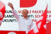 Allemagne: sociaux-démocrates et conservateurs de Merkel au coude à coude