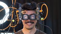 הדבר הבא? פייסבוק מציגה פריצת בתחום משקפי ה-VR