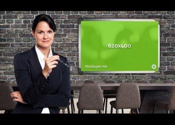 Businesswoman poster wall | Mockuper.net