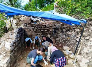 Volunteers of the New Acropolis took part in the archaeological excavation near Sarajevo (Bosnia and Herzegovina)