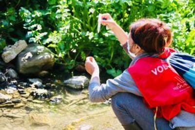 Inspección del tramo de río apadrinado en el Día Internacional de la Madre Tierra
