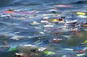 Якщо не вжити негайних дій, за 20 років потік пластика в Світовий океан потроїться – дослідження