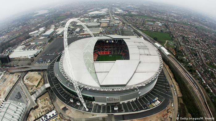 Лондон - стадіон Уемблі
