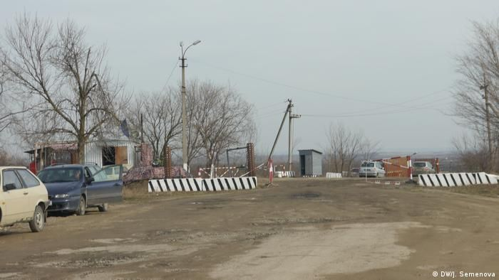 Пропускний пункт на придністровській митниці