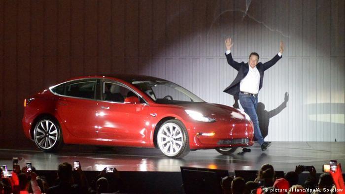 Ілон Маск представляє нову модель Tesla(picture allianc/dpa/A. Sokolow)