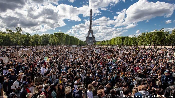 Протестувальники у Парижі