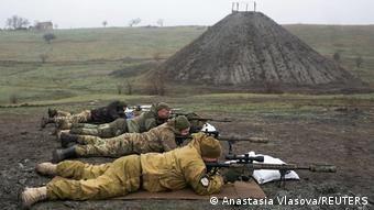 Вчити стріляти українських військових тренери з ЄС не будуть