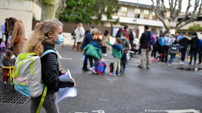 У Франції знову відкрилися середні школи