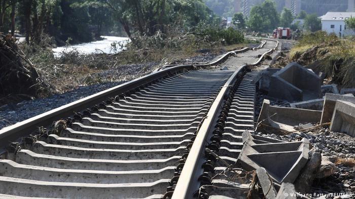 Залізниця в долині річки Ар