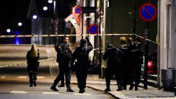 У поліції повідомили, що нападник діяв у кількох районах Конгсберга