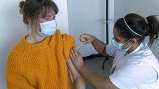 Así va a llegar Dinamarca al verano con la población vacunada: más tiempo entre dosis, buena comunicación y sanidad digitalizada