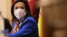"""Margarita Robles critica la querella de Podemos contra Batet: """"Los problemas políticos se resuelven políticamente"""""""