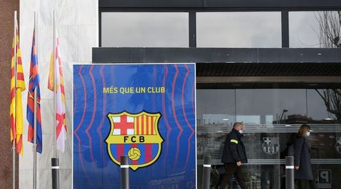 Foot: perquisitions et interpellations au FC Barcelone
