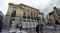 El público recupera los Princesa de Asturias: «Preferimos estar fuera que dentro del Campoamor»