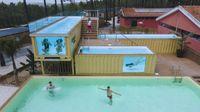 La piscina más alta y grande de Europa hecha con contenedores de barco