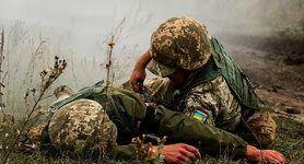 Снайпер врага ранил украинского воина на Донбассе. За сутки - 9 обстрелов, наемники РФ бьют прямо из жилых кварталов, - штаб ОС