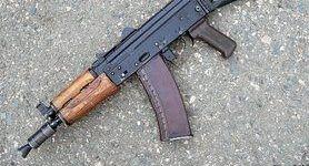 Стрельба в Киеве: На Соломенке мужчина расстрелял другого из автомата и закрылся с ним в квартире (обновлено)