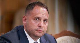 Жодних пропозицій, які виходили б за рамки інтересів України, навіть не звучало, - Єрмак про візит Зеленського до Парижу
