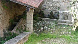 Fontaine et chapelle Saint Jean