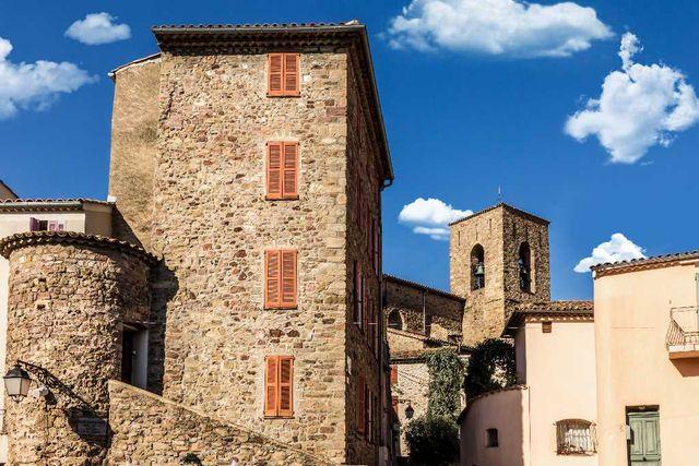 Roquebrune sur argens village