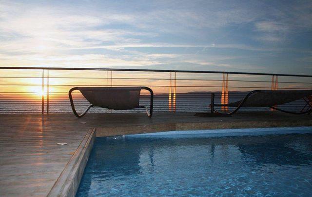 Le Rocher du secret hôtel île vue mer piscine jacuzzi clientèle spécifique couples libertins