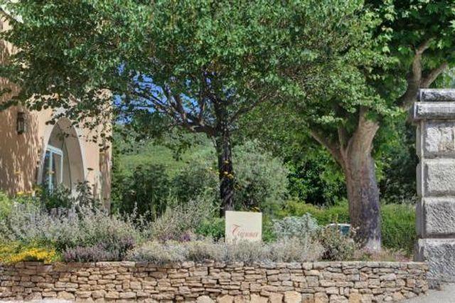 Triennes - Nans les pins