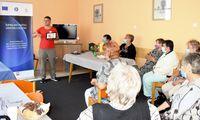 Háztartási égési sérülések kezeléséről szóló előadás az idősklubban