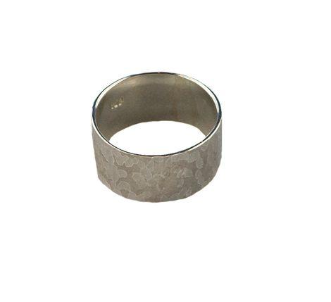 Jt Ασημένιο σφυρήλατο δαχτυλίδι