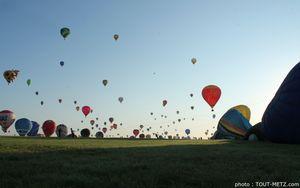 400 montgolfières en ligne au Mondial Air Ballon : retour en photos et en vidéo
