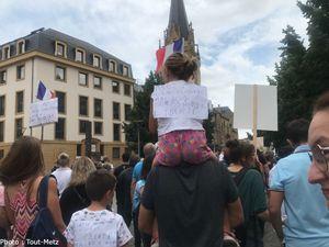 Metz : plus de 3 000 personnes dans la rue contre le pass sanitaire (photos et vidéo)