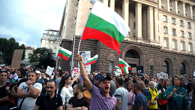 The Independent: Пока мир смотрит на Белоруссию, в соседней Болгарии 70 дней продолжаются бурные протесты против правительства