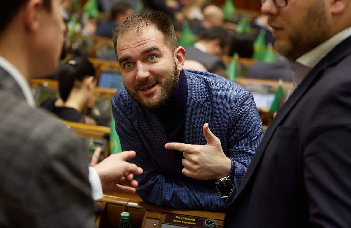 """Бутусов: """"Слугу"""" Юрченко задерживали на краже пива в магазине"""