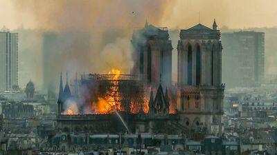 VIDEO Pariisi Jumalaema kiriku põleng saadi täielikult kontrolli alla
