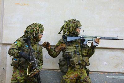 Kaitseväe õppusel said kaks sõdurit liiklusõnnetuses vigastada