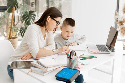 Kuidas valida sobiv mööbel kodukontorisse või õpinurka?