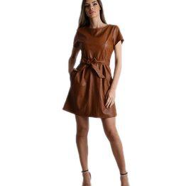 Κάμελ φόρεμα δερματίνη με ζώνη στην μέση