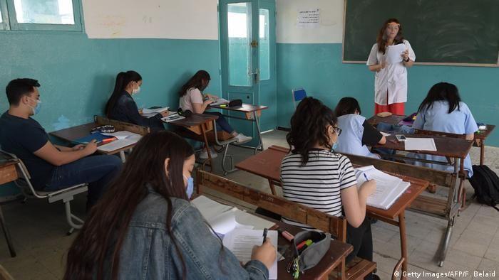 Туніс: маски на уроках почали носити ще у травні