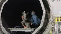 Ultra-cool test of Jupiter instrument