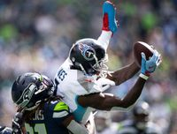 Why Tennessee Titans WR Julio Jones felt his 'inner kid' with Oilers legends at practice