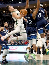 Timberwolves 113, Bucks 108: Defense can't get stops as comeback falls short