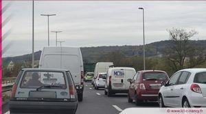 Info trafic : bouchon de 2 kilomètres sur l'A33 suite à un accident
