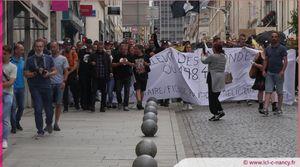 Vidéo. Les opposants au pass sanitaire défilent à Nancy avec quelques incidents
