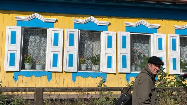 Traditional Siberian houses in Listvyanka, beside Lake Baikal