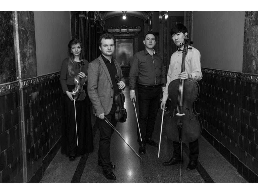 Roman Quartett