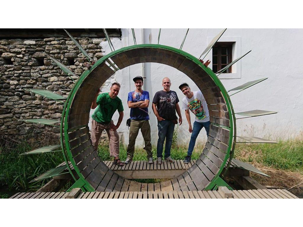 Kifli zenekar