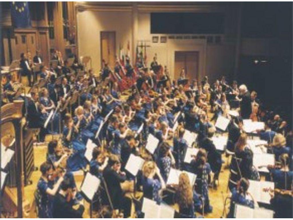 Az Európai Unió Ifjúsági Zenekara