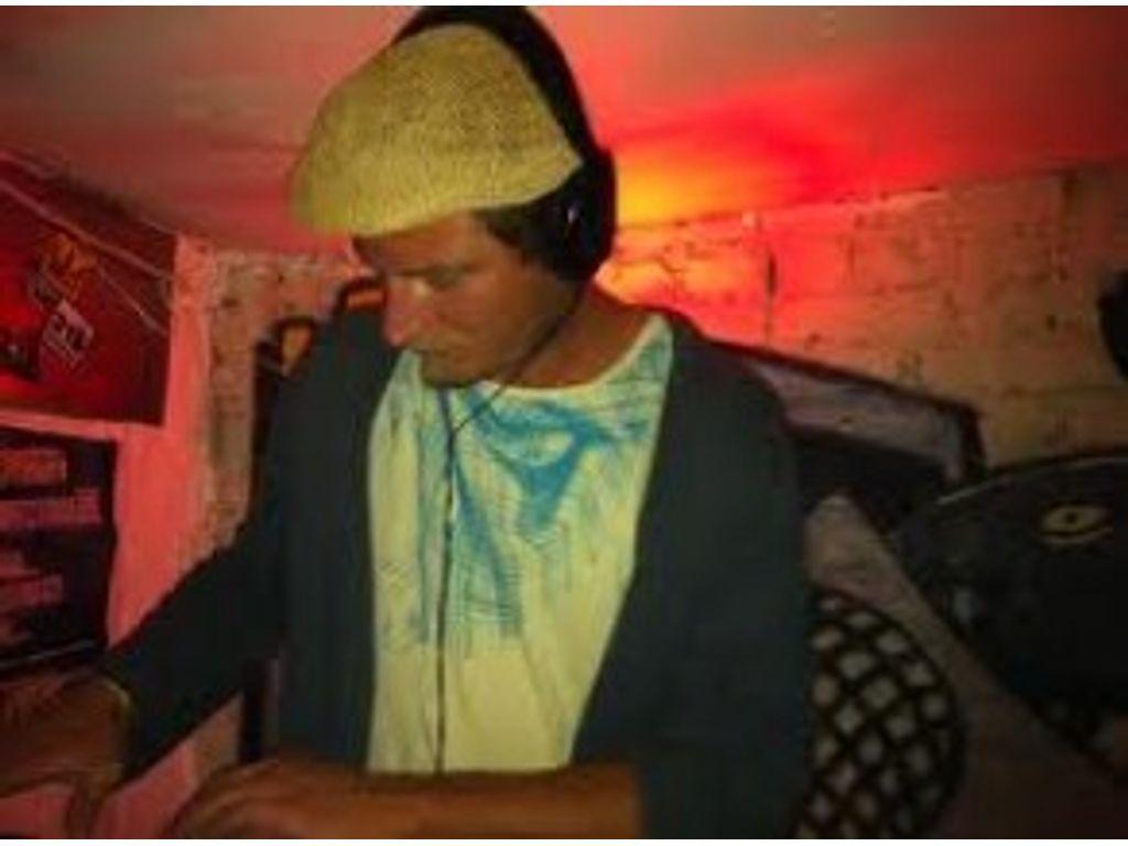 DJ Szamosi